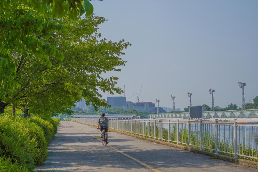 하남 미사경정공원 경기장 과 자전거 도로