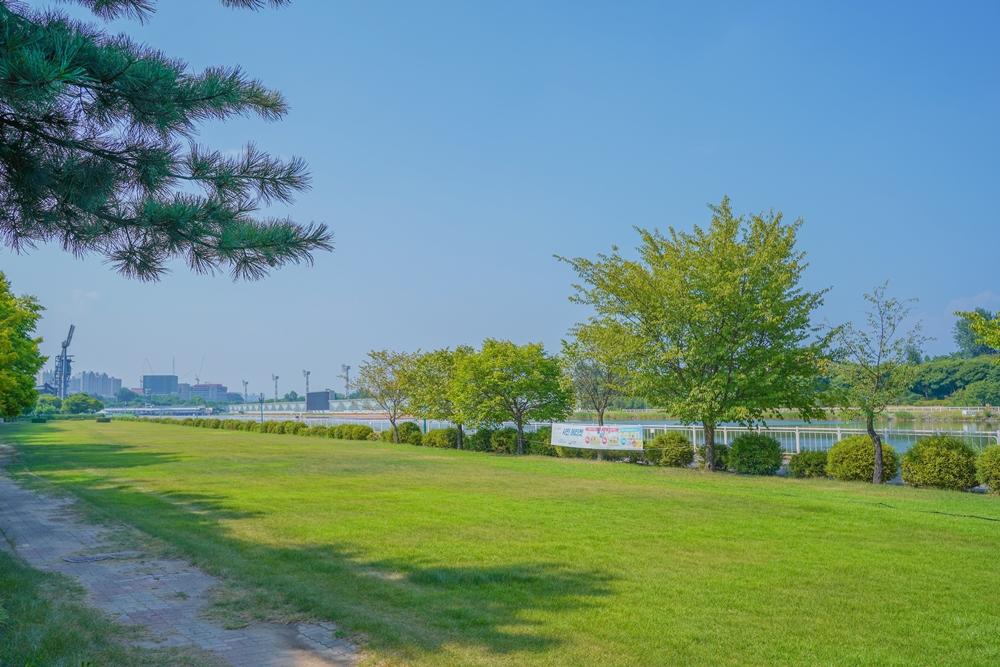 하남 미사경정공원 정원과 경기장